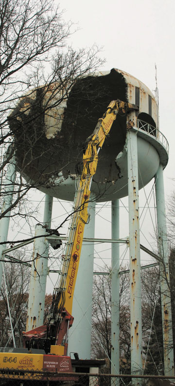 Water Tower Demolition K25 : Demolition news landmark water tower demolished…